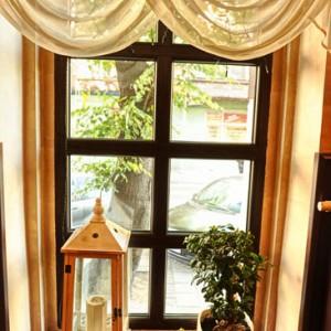 Przytulne wnętrze utrzymane w stylu toskańskim